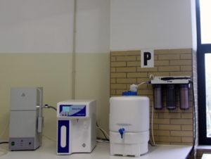 Sistema-compacto-de-produção-de-água-tipo-II-e-tipo-