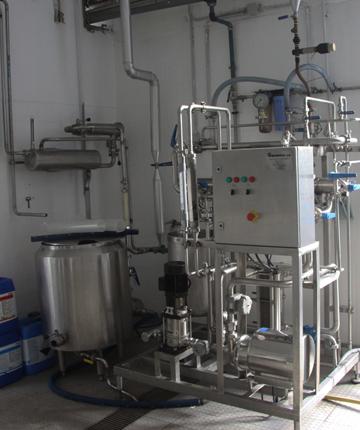 Unidade-piloto-de-MicrofiltraçãoUltrafiltração-(5,5-7-m2-área-de-membrana